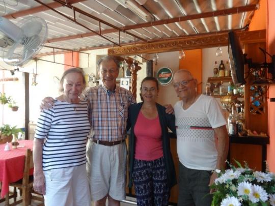 Agosto 2018 - Con nuestros huéspedes en el Salón Bar Restaurante
