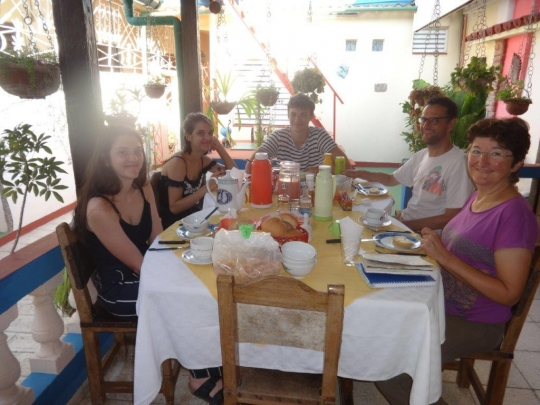 Verano 2018 - Sonrisas de nuestros huéspedes en el Salón Bar Restaurante