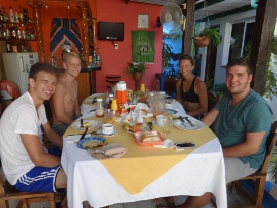 Verano 2018 - Nuestros jóvenes huéspedes en el Salón Bar Restaurante