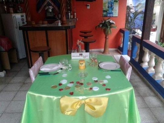 Cena íntima para recién casados en nuestro hostal